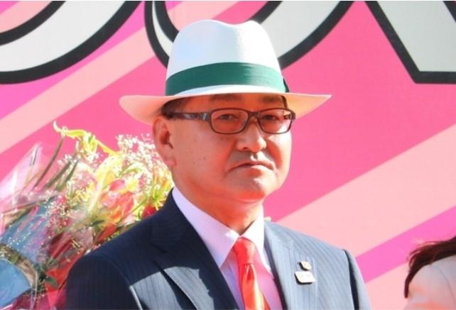 三冠馬コントレイルの調教師・矢作芳人氏とは?|FunLifeHack